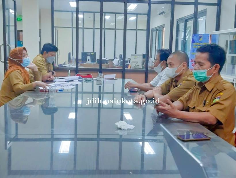 Rapat Fasilitasi Perwali RSU Tentang Pengadaan Barang dan Jasa BLUD Anutapura bertempat di kantor Bi