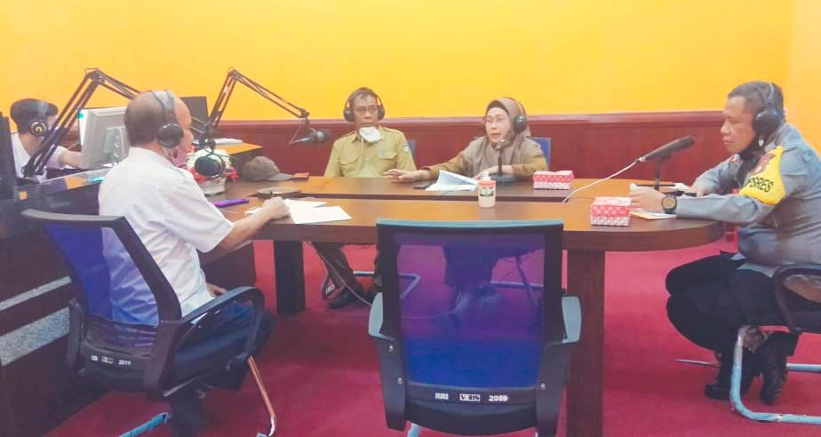 Dialog interaktif studio RRI pro satu Palu perihal Perwali No.19 thn 2020 operasi yustisi protokol kesehatan menuju kota palu zero civid 19